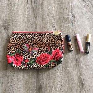 Estee Lauder pouch and cosmetics